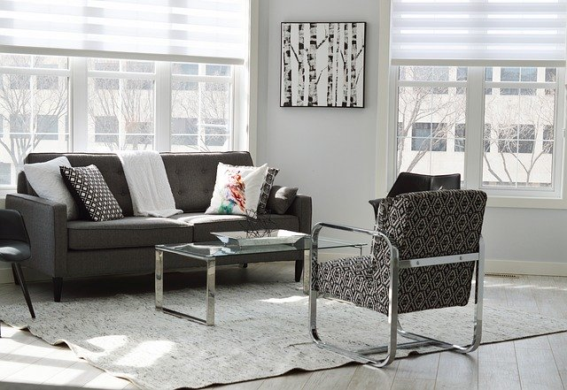 Obývačka, nábytok, okná.jpg